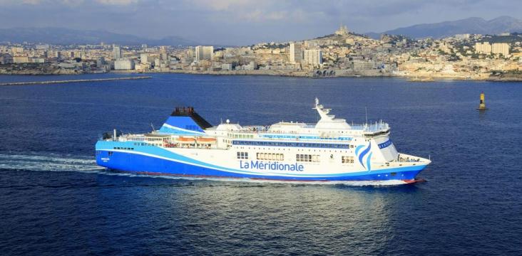 Photo illustrant un bateau dans la baie de Marseille