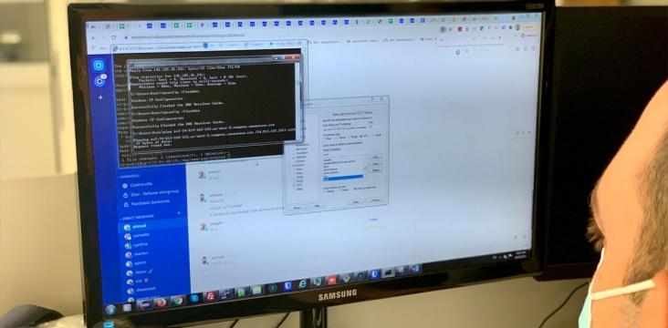 Photo illustrant un développeur Drupal dans la console
