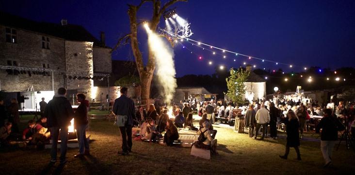 Image d'un festival d'été dans le département du Lot