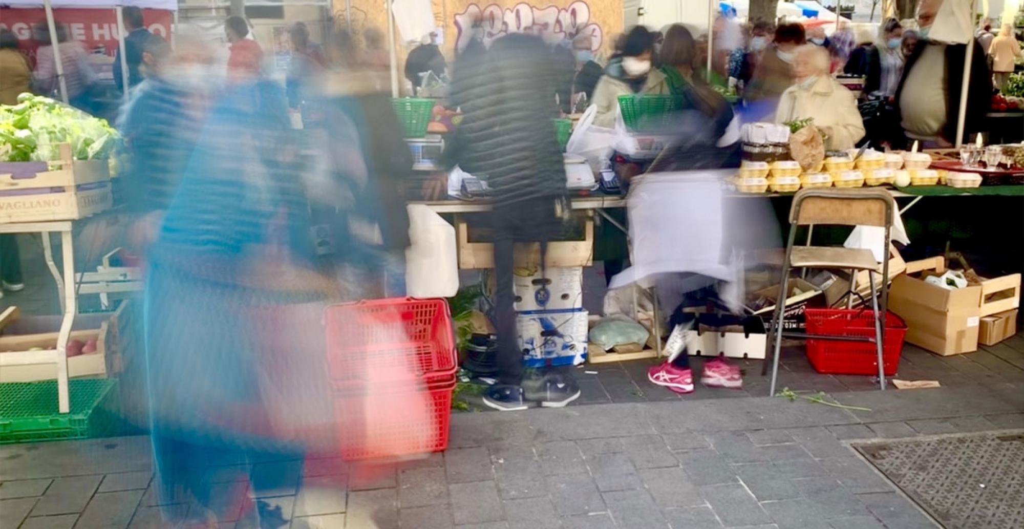 Image illustrant l'anonymat sur un marché